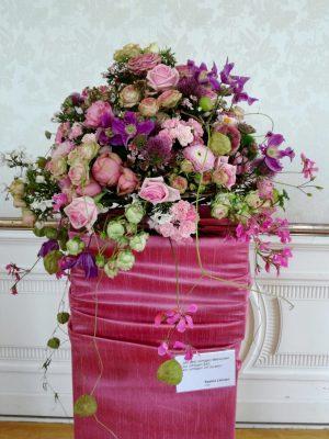 Traum in Pink: Rosen und Clematis