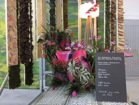Sessel Mit Blumen Blumenhalle Lin Scherer